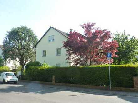 Ffm/Nieder-Eschbach: außergewöhnliche 3,5-Zimmer-Erdgeschosswohnung mit großer Terrasse und Garten!
