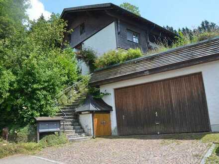 Gepflegte Dachgeschosswohnung mit einem Zimmer und Einbauküche in Dietmannsried-Schrattenbach