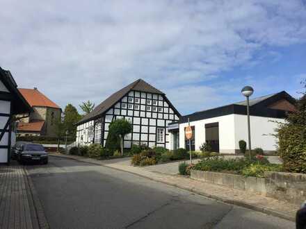 Denkmalgeschütztes Fachwerkhaus, 2 ZKB, Dachterrasse, PKW-Stellplatz