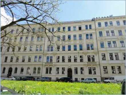 Attraktive 3-Zi.-Wohnung mit Balkon, EBK, Parkett, Fahrstuhl in Leipzig Zentrum-Süd