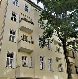 Erstbezug 2-Zimmer-DG-Wohnung mit EBK und Balkon