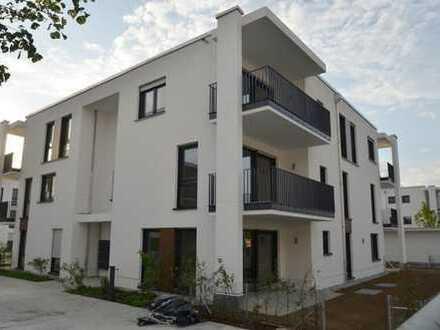 Erstbezug: Gehobene 3-Zimmer-Wohnung mit EBK und Balkon