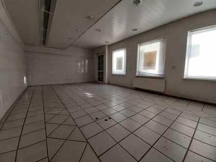 Gewerbefläche im Erdgeschoss zur individuellen Nutzung!