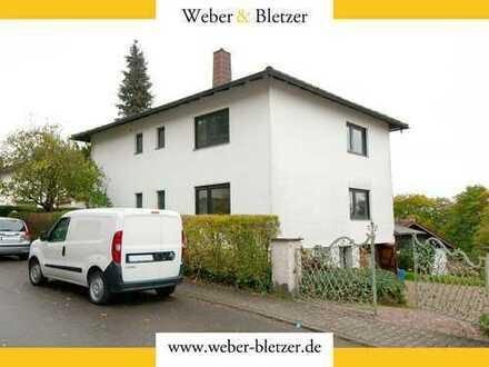 Freistehendes Ein- bis Zweifamilienhaus in exponierter Lage von Leutershausen!
