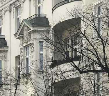 Freundliche 5-Zimmer-Wohnung mit Terrasse und EBK in Charlottenburg, Berlin
