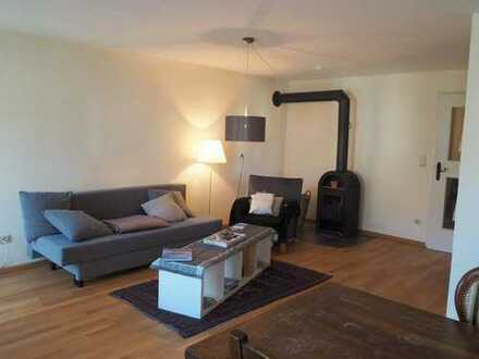 Hochwertige 3 Zimmer Wohnung in ländlicher Lage mit Garten mit guter Anbindung