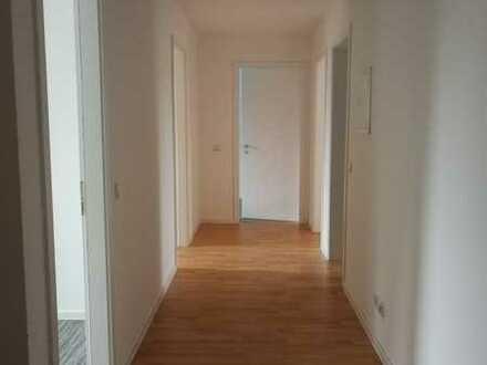 Helle 4-Zimmerwohnung direkt am Bahnhof Neuenhagen!