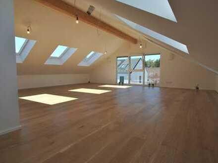Erstbezug: Sehr schöne 3-Zimmer- Dachterrassenwohnung in kleiner, exklusiver Wohnanlage.
