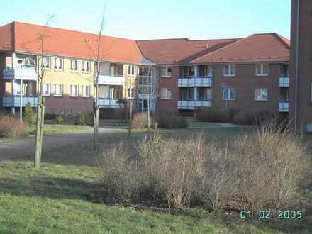 Sehr gepflegte Wohnung mit Balkon und Einbauküche