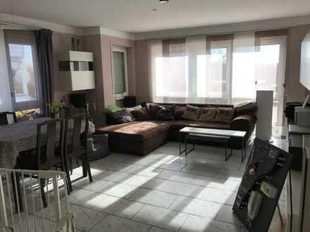 Exklusive, sanierte 3-Zimmer-Wohnung mit Balkon und EBK in Aschaffenburg/Obernau