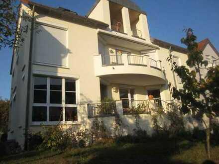 1.100 €, 102 m², 4 Zimmer