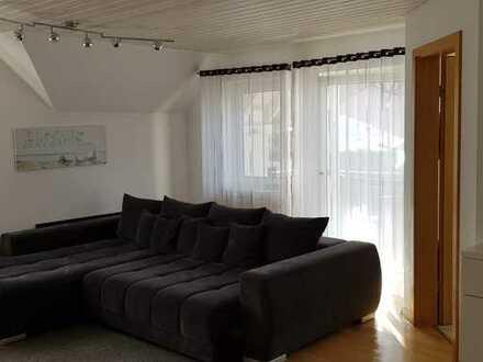 Schöne helle DG-Wohnung mit Balkon in Münsingen
