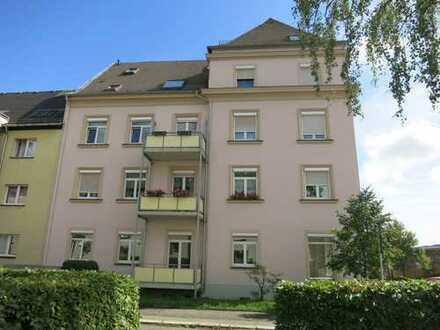 Moderne 2-Zi.-Wohnung mit Balkon und 1 Büroraum