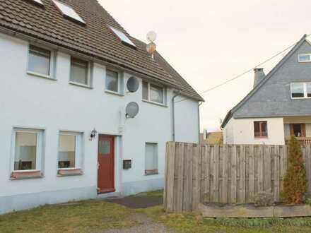 Zwischen Winterberg und Villingen: 3-Zimmer-Wohnung mit EBK und Stellplatz