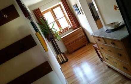 Sehr gemütliche sonnige 4-Zimmer-Wohnung mit Balkon und Terrasse und EBK in Denklingen/Landsberg