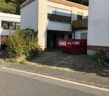 Schönes, geräumiges Haus mit vier Zimmern in Aschaffenburg (Kreis), Hösbach