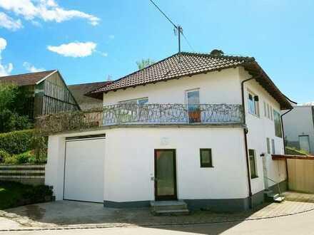 Ruhig gelegenes Haus mit Balkon, Garten und großer Hobbygarage