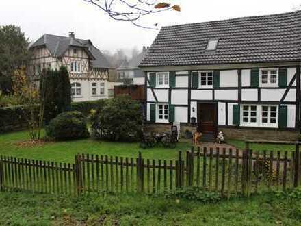 PROVISIONSFREI; Schönes Fachwerkhaus in Engelskirchen, zentrale aber dennoch ruhige Lage