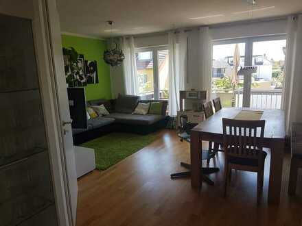 Exklusive 3-Zimmer-Wohnung mit Balkon, Gäste WC und Einbauküche in Ingolstadt-Zuchering
