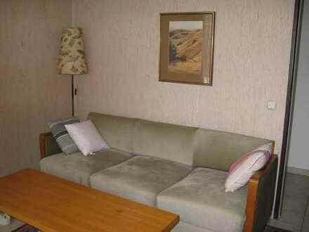 möblierte 2,5-Zimmer-EG-Wohnung mit Terrasse und Einbauküche in Böblingen an NICHTRAUCHER