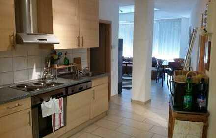 Zentral gelegene schöne, helle OG-Wohnung ab 01. September 2018 zu vermieten