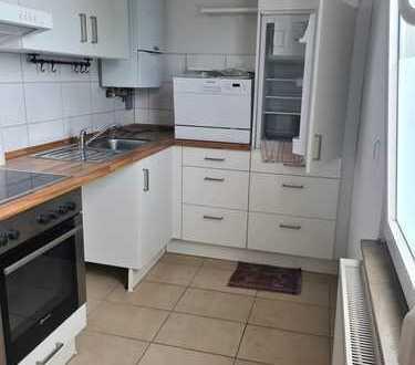 Stilvolle, modernisierte 2-Zimmer-Wohnung - mit Einbauküche/Teilmöbeliert in Stuttgart-Münster