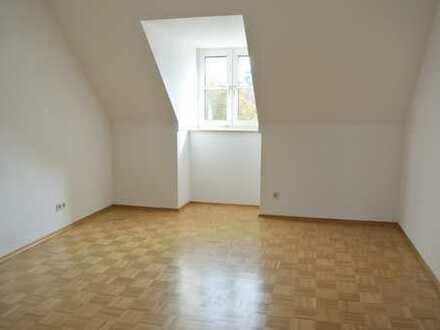 ***2 min. Fußweg in die Dachauer Altstadt - Schön geschnittene 3-Zimmerwohnung***