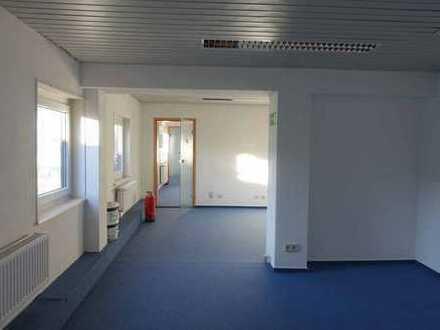 3 - 4 Zimmer - Wohnung im Gewerbekomplex - Wedemark - Brelingen