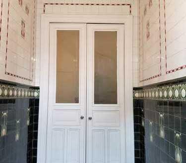 Helle neuwertige 5-Zimmer-Wg mit sonnigem SW-Balkon, Kamin, Vollbad, EBK in Harvestehude,