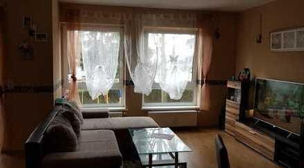 Kapitalanlage! 3,5-Zimmer-Hochparterre-Wohnung mit Balkon und Einbauküche in Essenheim