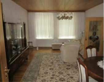 Attraktive große 4-Zimmer-Erdgeschosswohnung mit Einbauküche in Golßen