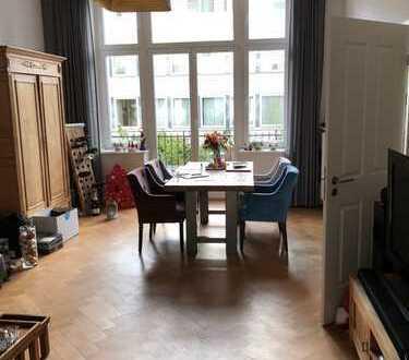 Geräumige 2-Zimmer-Hochparterre-Wohnung mit grossem Balkon in Bonner Südstadt