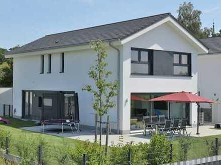 Die Gelegenheit! Neuwertiges KfW-55 Architektenhaus mit Liebe zum Detail und hoher Lebensqualität!