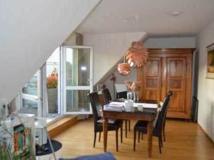 Schöne, elegante und helle 3-Zimmerwohnung mit Dachterrasse, in Frankfurt Ginnheim