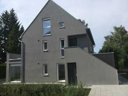 Schöne, geräumige, ruhige 3-4-Zi-Dachterassen-Wohnung (Westterasse) in München, Bogenhausen