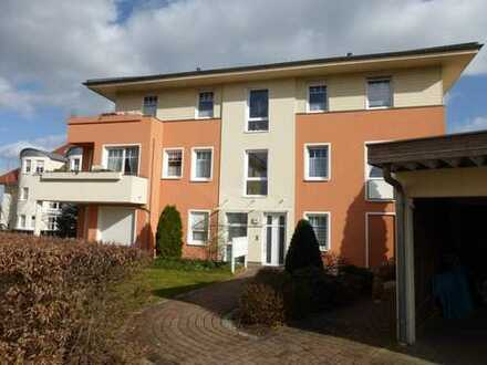 RESERVIERT! Toller Seeblick! Helle 2-Zimmer-Wohnung mit Einbauküche und Balkon