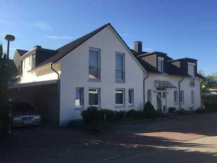 Vollständig renovierte 3-Zimmer-Wohnung mit Balkon und Einbauküche in Emsland (Kreis)