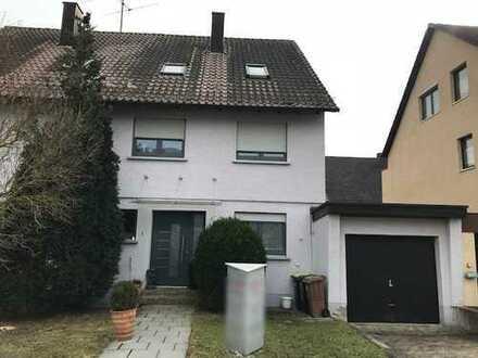 Gepflegte Doppelhaushälfte mit Garten mit sechs Zimmern in Filderstadt