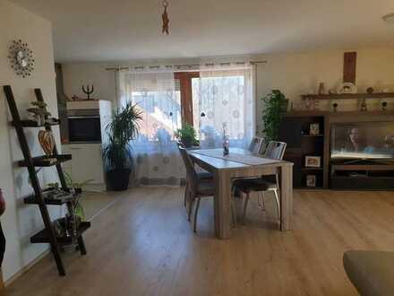 Freundliche helle 4-Zimmer-DG-Wohnung mit EBK und Sauna in Au in der Hallertau