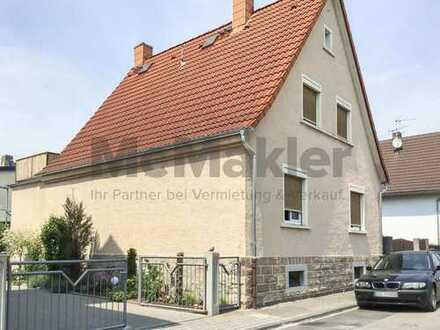 Gestaltungspotenzial! Großes Einfamilienhaus mit Nebengebäude in zentraler Lage im sonnigen Lorsch