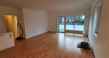 Schick renovierte 3 Zimmer-Maisonette Wohnung mitten in Kelkheim**