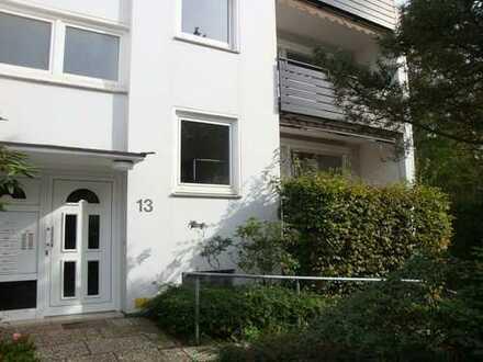 Findorff! Renovierte, helle 2-Zimmer-Wohnung im Hochparterre mit Loggia und Lift