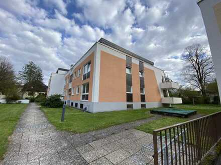 Sanierte Wohnung mit vier Zimmern und Balkon in Gauting