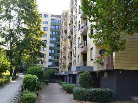 Große, helle Wohnung in verkehrsberuhigter Wohnlage auf dem Sonnenhof Pforzheim