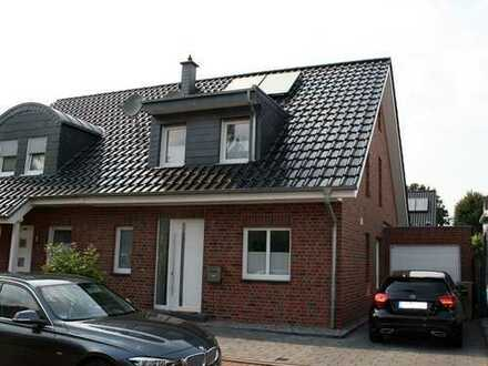 Absolut neuwertige Doppelhaushälfte mit hochwertiger Ausstattung