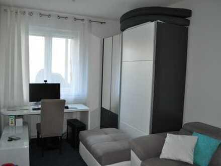 Stilvolle, neuwertige 2,5-Zimmer-Wohnung mit Balkon und 2 Stellplätzen in Bambergs Top Lage
