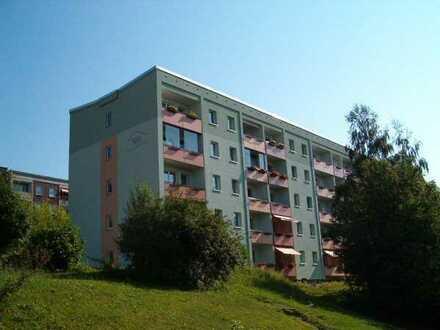 Schöner Ausblick über die Stadt / Moderne 4-Raum-Wohnung mit Balkon