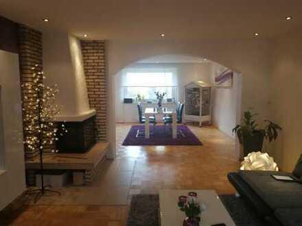 Modernisierte 5-Zimmer-Maisonette-Wohnung mit Balkon in Essen-Steele