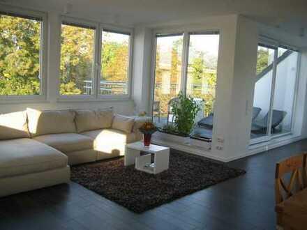 Luxus Dachgeschosswohnung in Lindenthal mit Blick auf den Stadtwald von privat