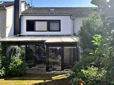 Hochwertiges Einfamilienhaus mit viel Platz für Wohnen und Arbeiten
